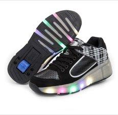 Maat 30: B-Keus, Wiel schoenen skate roze/zwart