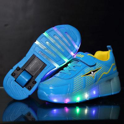 Schoen met lichtjes én wieltjes (blauw)